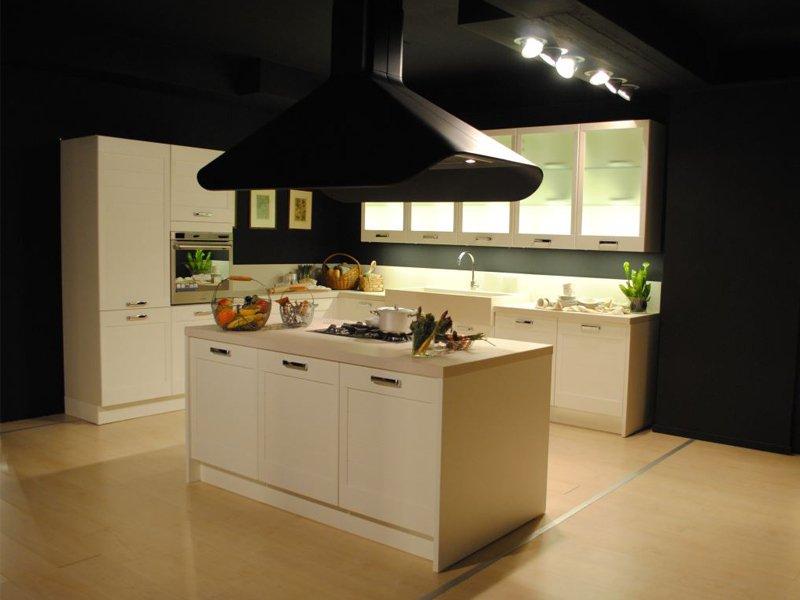 Cucina in legno massello romantica