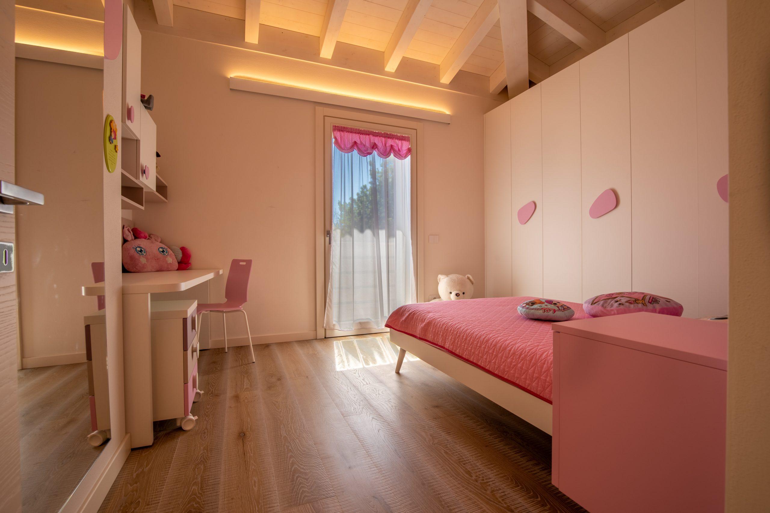 Rosa e romantica, la camera da sogno per ogni bambina