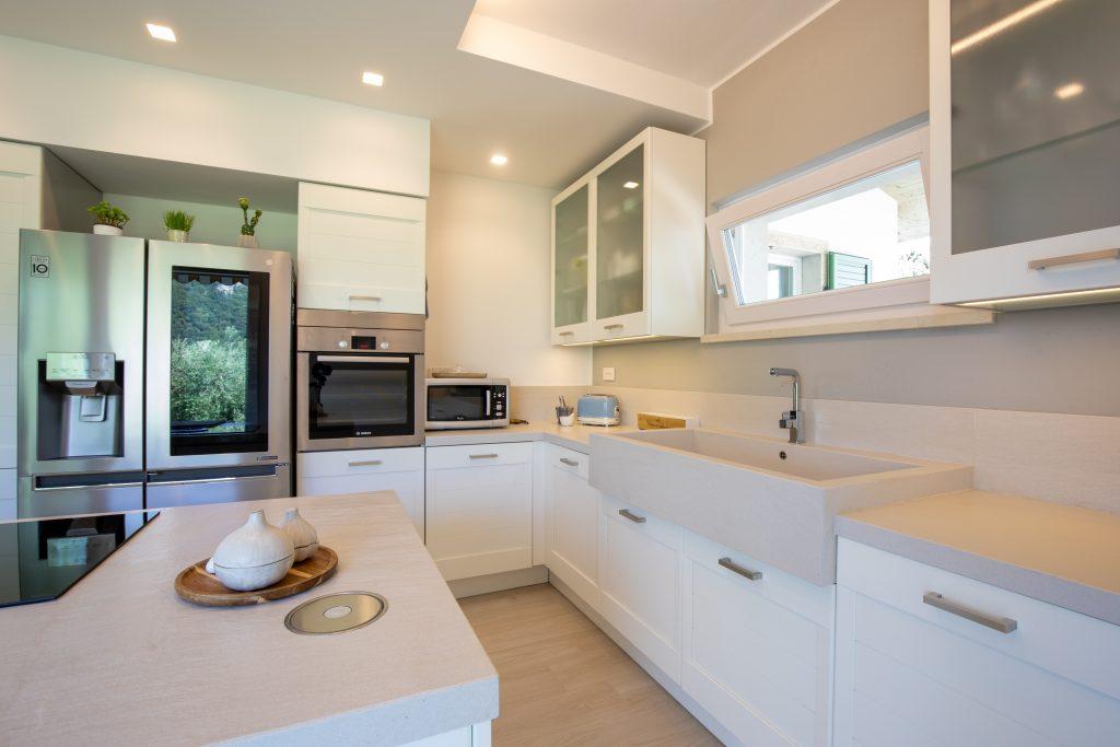cucina con isola design dalle vedove